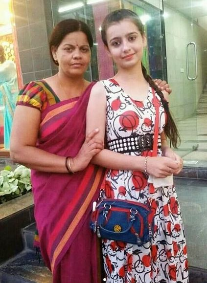 Chahat Pandey Mother